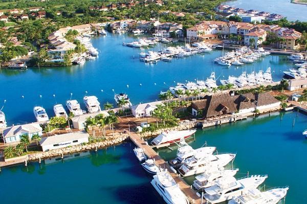 A marine de Casa de Campo resort na República Dominicana