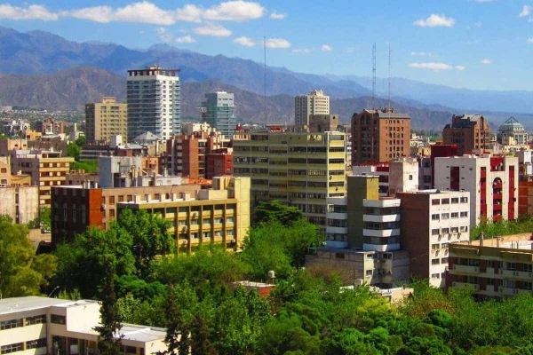 Mendoza, a cidade das montanhas e dos vinhos