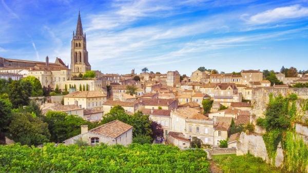 St. Emillion esta umas mais famosos cidades perto do Bordeaux.