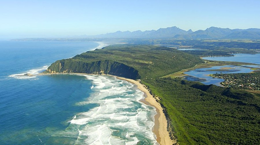 O garden route do Africa do Sul esta umas mais bonitos caminhos do mundo.