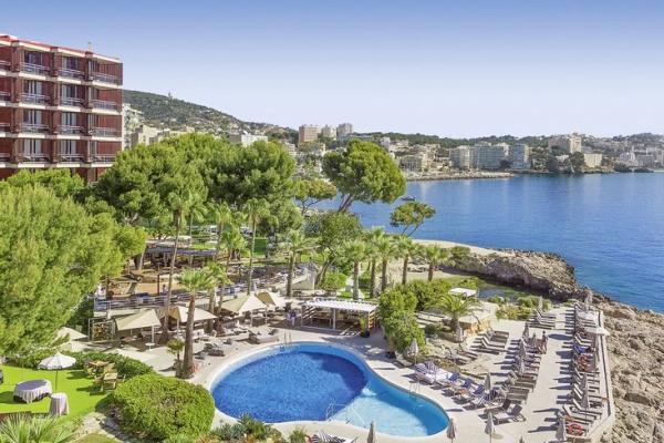 Perto de Palmas é o Hotel 5-estrelas Gran Melia de Mar