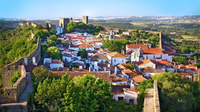 Óbidos o cidade histórica com vinotecas e restaurantes
