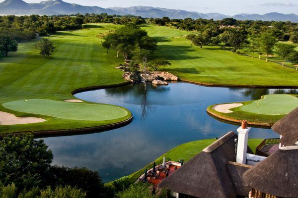 O Leopard Creek Golf Course está localizado no Kruger Park Africa do Sul