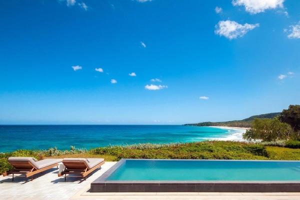 A vista da praia e da piscina do Casita na República Dominicana