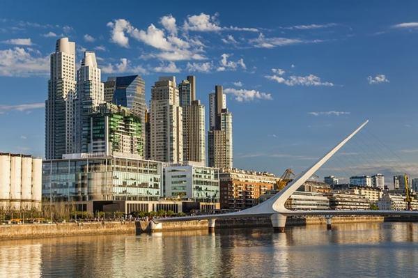 O novo mais moderno Bairro Madero em Buenos Aires na Argentina