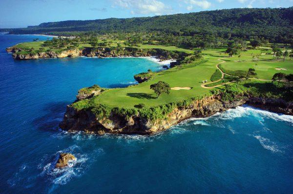 O campo de golfe Casa Grande na República Dominicana foi projetado por Robert Trent Jones