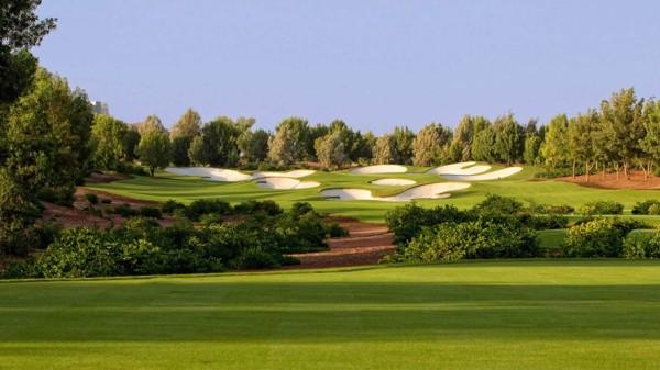 O campo de golf de EARTH no Jumeirah Golf Estate